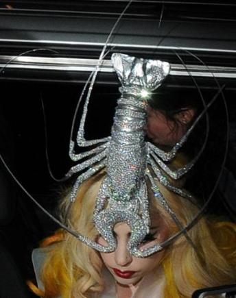 LadyGaga-in-Phillip-Treacy-bling-lobster-hat